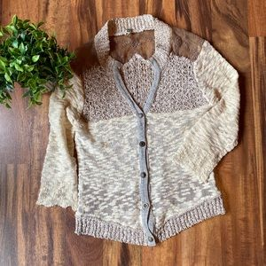 Gimmicks by Bke short cardigan size Small